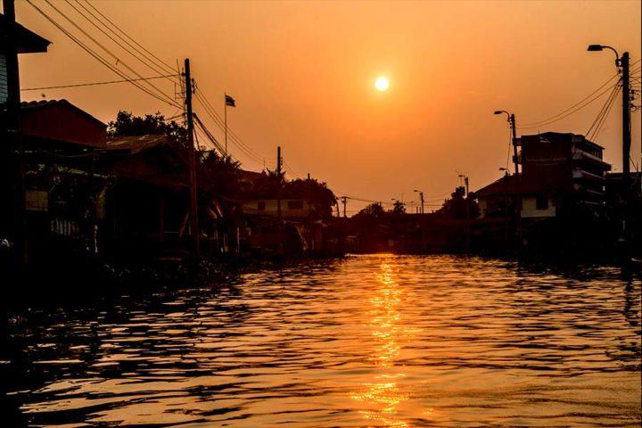 Bangkok Tour - Sunset Chao Phraya River Arun